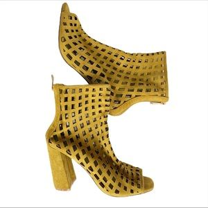 CAPE ROBBIN Cage Chunky Heel Cutout Suede …